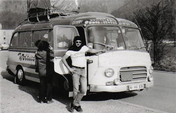 Busunternehmen in Köln - historischer Reisebus Oldtimer